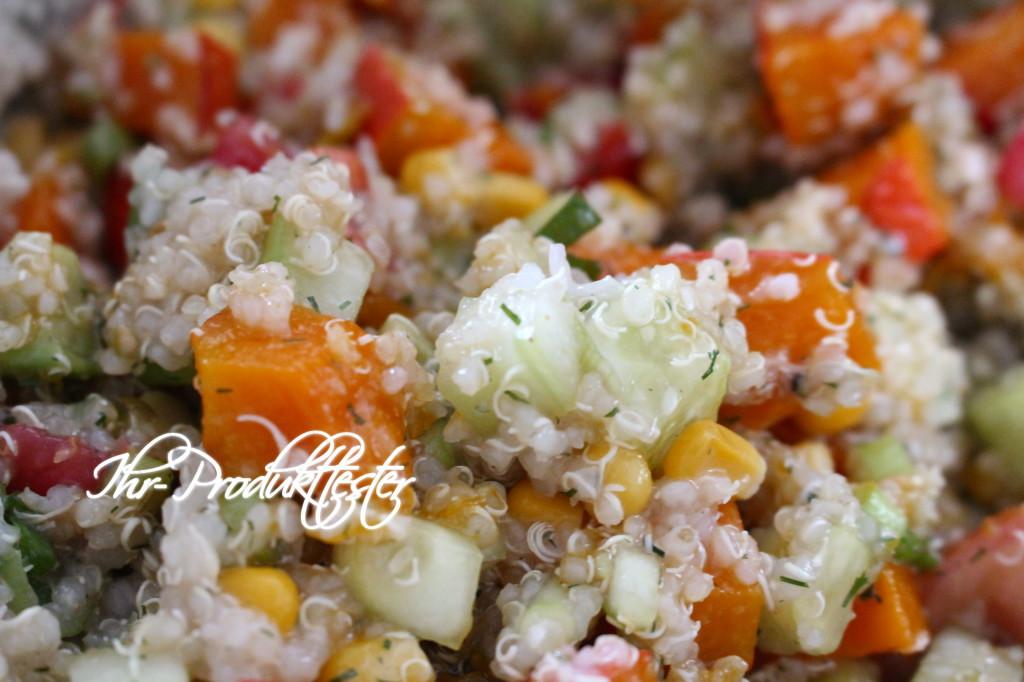 Veganer Quinoa-Salat mit Kürbis